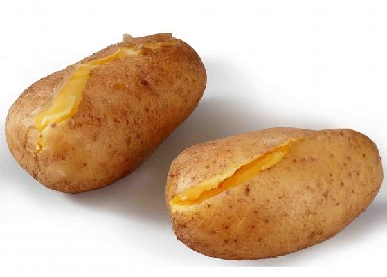 Mit nur 70 kcal pro 100g, kaum Fett, hochwertigen Eiweiß und vielen Kohlehydraten ist die Kartoffel für die gesunde Ernährung überaus geeignet.  Foto: Wirths PR/Schoenenberger