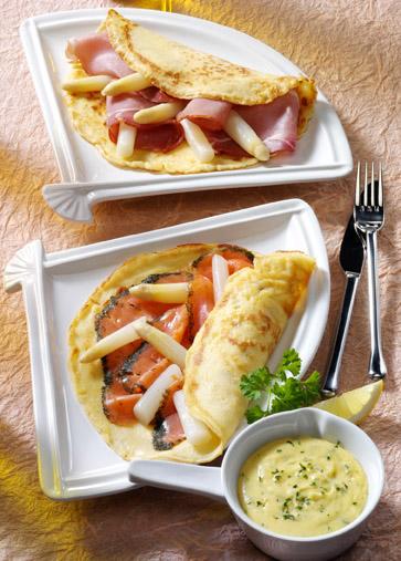 Spargel mit Pfannkuchen und Kräutersauce Foto: Wirths PR
