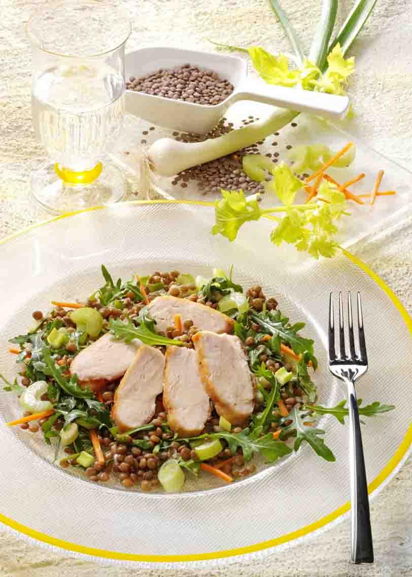 Vitaminsalat mit Pardina Linsen und gebratener Hähnchenbrust Foto: Wirths PR